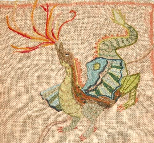 dragon-pillow-detail